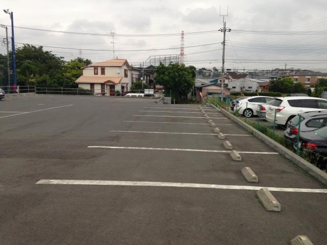 駐車場も完備しており車でお越しいただいても安心です。